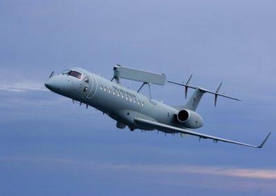 g_plugdados-galeria-aeronaves-embraer-e-99